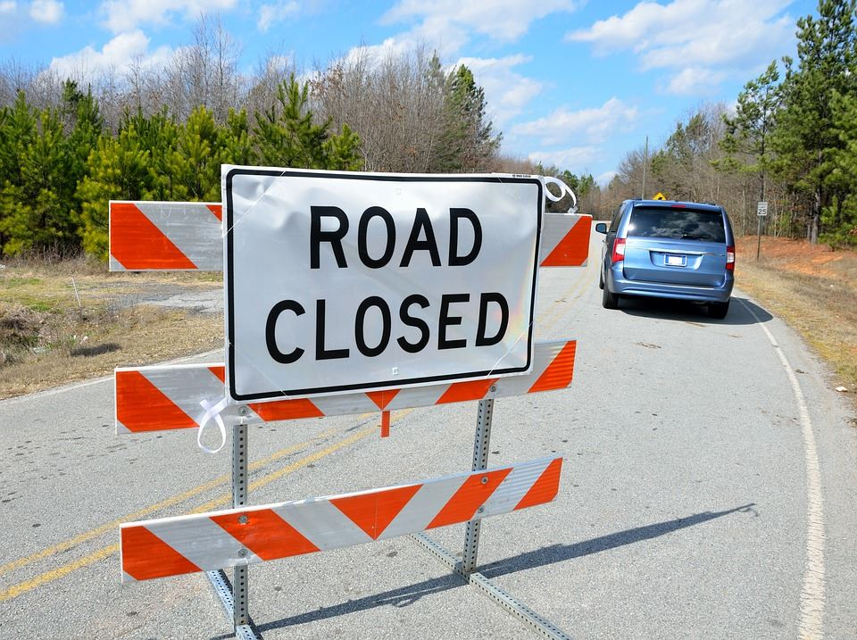 road-closed-sign-2079685_960_720